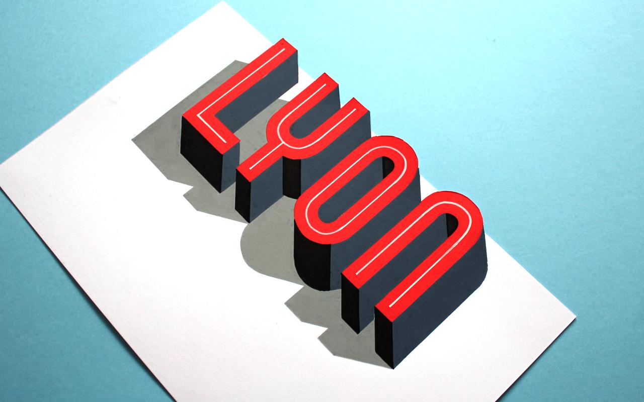 <span>LYON</span><i>→</i>